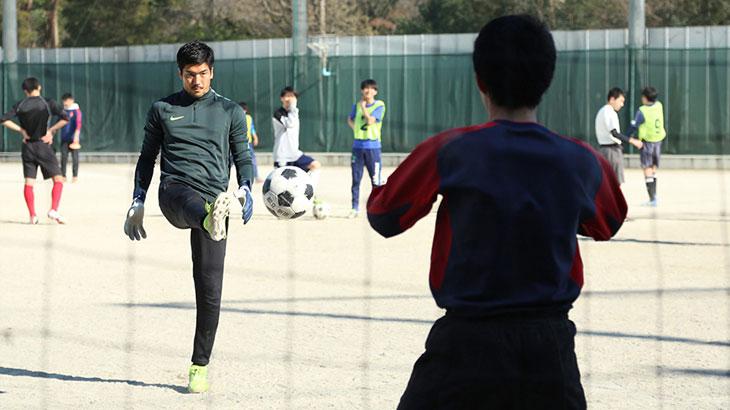東京都立新宿高校サッカー部で「勉強とサッカーの関係」について講演を行いました!